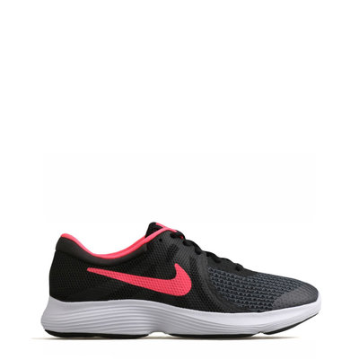 Nike Revolution4